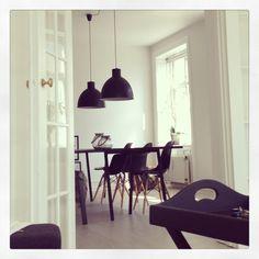 HAY loop stand table black Eames chairs black Dining room