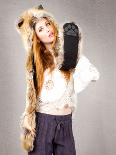 What's Your Spirit Animal? ............. RED FOX (Faux Fur) ....................... Traits: Cunning > Wise > Adaptable #SPIRITHOODS ***Beautiful***