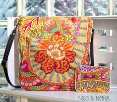 Conjunto de bandolera Belle + monedero de la misma tela, elaborado en nuestro taller artesanal y disponible en www.nicaynora.com