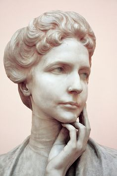 Principessa Doria Pamphilj 1920 Pietro Canonica  PIETRO CANONICA (Moncalieri, 1º marzo 1869 – Roma, 8 giugno 1959)   #TuscanyAgriturismoGiratola