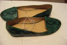 womens old navy green & black skin print slip on flats shoes size 9