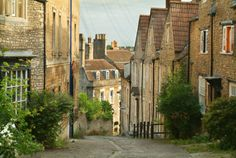 Gentle Street is a narrow and historic street, with many houses dating from the and centuries. This interesting, cobbled street provides … English Country Manor, English Countryside, Country Life, Frome Town, England, Shopping Street, Winding Road, Next Holiday, Places