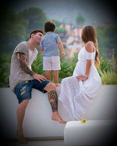 Lionel Messi Family, Lional Messi, Lionel Messi Wallpapers, Argentina National Team, Fc Barcelona, Leo, Soccer, Football, Couple Photos