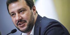 """Matteo Salvini, il populismo a """"pensiero zero""""."""