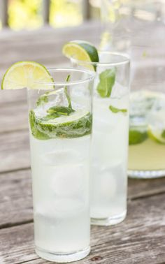 Homemade pitchers of Mojitos with fresh mint and limes! Perfect alcoholic beverage for the weekend, healthy and refreshing!