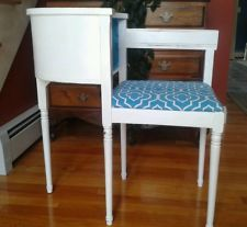 Vintage Gossip Bench with Shabby Chic Style
