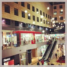shopping: L'illa Diagonal : Barcelona, Cataluña