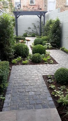 50 Marveolus Small Backyard Garden Landscaping Ideas - Page 29 of 55 Small Front Yard Landscaping, Small Backyard Gardens, Backyard Garden Design, Diy Garden, Garden Landscaping, Landscaping Ideas, Garden Path, Walkway Ideas, Path Ideas