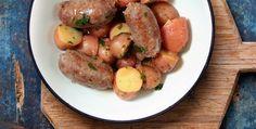 Le salsicce alla birra rossa sono un secondo piatto o piatto unico molto saporito e semplice da preparare. Il tocco finale, dato dall'aceto e …