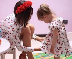 Best Mini-me photos: Fashionista parents and kids! matching outfits, mommy and daughter, daddy and son Mommy Daughter Dresses, Mother Daughter Matching Outfits, Mommy And Me Outfits, Mom Daughter, Daughters, Mother And Child, Father And Son, Mother Pictures, Mini Me