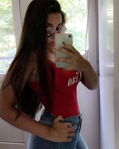 5'2 but my attitude 6'1  #gainpost #like4like #comment4comment #follow4follow #red #theme #top #ciao #black #hair #photography #iphone #selfie #bored #mirrorselfie #white #popular #tag #nails #goals #girl http://butimag.com/ipost/1556422766181729548/?code=BWZhkJyl8UM