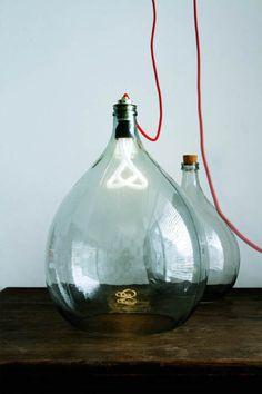 Dame Jeanne transformée en lampe