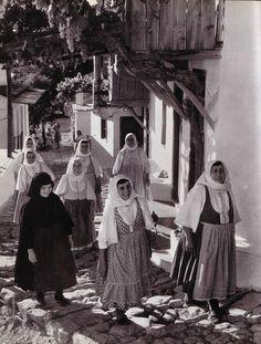 farmerswomen skopoulos (l950ies)