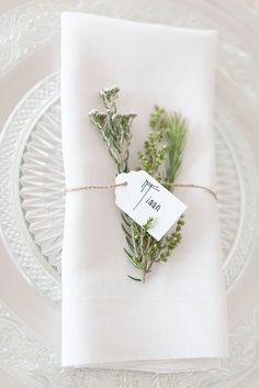 Fynbos place setting | Credit: Samantha Clifton Photography