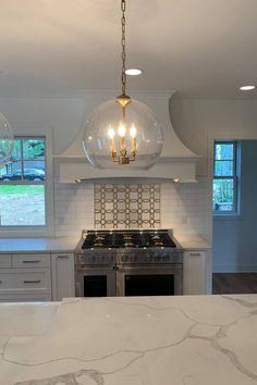 Get new kitchen ideas from some of our favorite renovations. Real Kitchen, Updated Kitchen, Kitchen Reno, Home Decor Kitchen, Home Kitchens, Kitchen Remodel, Kitchen Ideas, Kitchen Island, Bright Kitchens