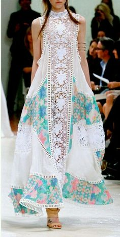 Looks like Pakistani Fashion ! Looks like Pakistani Fashion ! Indian Fashion, Boho Fashion, Womens Fashion, Fashion Design, Fashion Moda, Beach Fashion, Trendy Fashion, Fashion Dresses, Fashion Spring