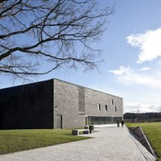 Reiach and Hall gives sober facade to  Battle of Bannockburn Visitor Centre