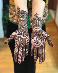 2 Gorgeous Hand & Palm Henna Designs for Eid ul Ahda Palm Henna Designs, Arabic Bridal Mehndi Designs, Latest Henna Designs, Mehndi Designs For Girls, Mehndi Design Pictures, Simple Mehndi Designs, Mehndi Images, Bridal Henna, Henna Mehndi