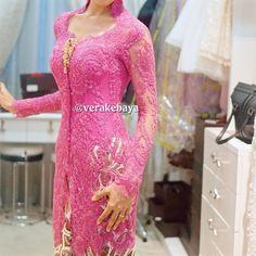 "1,793 Likes, 34 Comments - Vera Anggraini (@verakebaya) on Instagram: ""Fitting...#kebaya #midodareni #batik #payette #pengantin #perkawinan #wedding #weddingdress #lace…"""