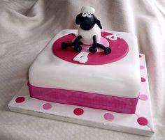 shaun the sheep cake for girl