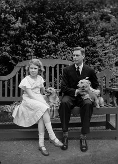 VI and his daughter, the future Elizabeth II with their corgis.George VI and his daughter, the future Elizabeth II with their corgis. God Save The Queen, Hm The Queen, Queen Love, Her Majesty The Queen, King Queen, Young Queen Elizabeth, Princess Elizabeth, Princess Margaret, Lady Diana