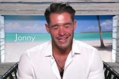 This Is Why Love Island's Jonny Is Always Blinking - http://viralfeels.com/this-is-why-love-islands-jonny-is-always-blinking/