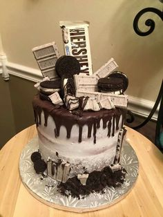 √ Cookies and Cream Cake Birthdays. 7 Cookies and Cream Cake Birthdays. Hershey S Cookies and Cream Cake Candy Cakes, Cupcake Cakes, Hershey Bar Cakes, Hershey Cookies, Hershey's Cookies N Cream, Cookies And Cream Cheesecake, Cheesecake Desserts, Raspberry Cheesecake, Bolo Tumblr