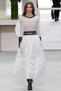 Chanel - gótica suave rica