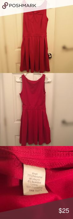 Lc Lauren Conrad dress Lc Lauren Conrad dress worn once   Has two pockets one on each side 💛 LC Lauren Conrad Dresses Midi
