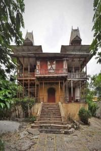 The Gingerbread houses, with their intricate ornament and steeply pitched roofs, constitute an important period of post-colonial design and are emblematic of a uniquely Haitian architectural heritage. The Gingerbread neighborhood is an icon of Haiti's rich past, as well as a vital symbol for rebuilding the country.