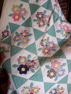 Hexagon applique quilt