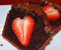 Chocolate Strawberry Stuffed Cupcakes | The Cooking Mom
