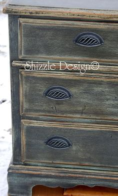 Rich Old World Patina on ASCP Painted Chest of Drawers — Shizzle Design (ASCP Duck Egg Blue and Graphite, with dark and clear waxes, lots of sanding) maybe for my flooded China cabinet Annie Sloan Chalk Paint Dresser, Annie Sloan Paints, Refurbished Furniture, Furniture Makeover, Diy Furniture, Chalk Paint Projects, Chalk Paint Furniture, Painted Chest, Distressed Painting