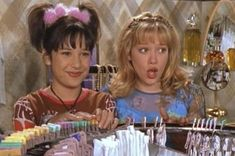 Miranda was the BFF we all wanted. Mostly because she had the greatest hair on Lizzie McGuire and arguably of the Retro Aesthetic, Aesthetic Photo, Quote Aesthetic, Grunge, Lizzie Mcguire, Photo Wall Collage, Picture Wall, 2000s Fashion, Film Fashion