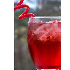 Shirley Temple Punch Mix 5 cups ginger ale, 2 cups orange juice and 1/2 cup grenadine in a punch bowl. Add sliced oranges and maraschino cherries. Serve over ice.   IN MASON JARS!!!!
