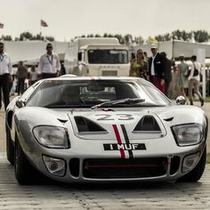 Ford GT-40, front view.