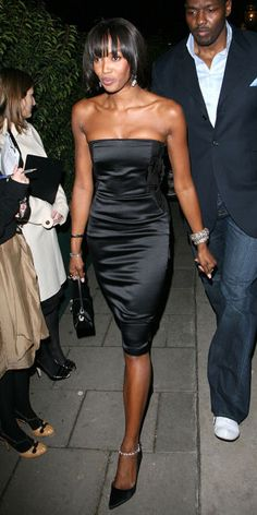 31 photos that show the fashion evolution of the little black dress: Naomi Campbell