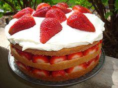 Strawberry Cream Cake Strawberry Cream Cakes, Strawberry Filling, Strawberries And Cream, Storing Strawberries, Strawberry Desserts, Strawberry Shortcake, Flan, Basic Cake, Wonderful Recipe