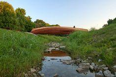 Volkan Alkanoglu's Forth Worth creek bridge resembles a driftwood branch Bridge Structure, Concrete Footings, River Trail, Pedestrian Bridge, Urban Fabric, Bridge Design, Ranch Style Homes, Built Environment, Driftwood