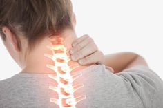 Canınızı acıtan boyun ağrısından kurtaran 5 egzersiz! - Neck And Back Pain, Head And Neck, Neck Pain, Cervical Spondylosis, Shoulder Pain Relief, Stiff Neck, Right Angle Weave, Acupressure Points, Muscle Pain