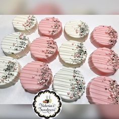 """Victoria's Sweetness on Instagram: """"Tickled Pink, baby shower chocolate covered Oreo's🎀. #VictoriasSweetness #VS #JacksonvilleTreats #DuvalTreats #904Treats #InstaTreats…"""" Star Cupcakes, Chocolate Covered Oreos, Twinkle Twinkle Little Star, Baby Shower Cakes, Shower Ideas, Treats, Decorations, Sweet, Party"""