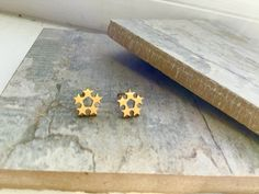 Very pretty yellow gold plate cluster star stud earrings, approx in size. Whirlpool Galaxy, Star Cluster, Andromeda Galaxy, Love Stars, Silver Stars, Free Gifts, Gold Earrings, Gift Guide, Black Holes
