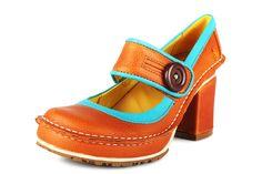 29 Best Clothes shoes images   Kengät, Naiset, Saapas