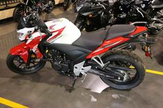 New 2015 Honda CB500F Motorcycles For Sale in Kentucky,KY. 2015 Honda CB500F, Call Sales today for a great deal! 859-253-0322 Great financing options available!<br /> <br /> Call Sales today for a great deal! 859-253-0322 Great financing options available! <br><br> 2015 Honda® CB500F A More Comfortable Sportbike. <p>The innovative CB500F expands riding enthusiasts options with a modern and sporty 471cc sportbike. This image-conscious offering not only carries a full load of attitude, it…