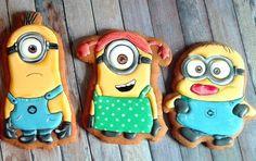 #regalospeciale #icing #sugarart #suordinazioneamilano #cookie #cookies #bomboniere #biscottiartistici #biscottidecorati #compleanno #festaatema #festa #cerimonia #праздник #деньрождения #подарок #сладкийкомплимент #бомбоньера #миньоны #cattivissimome Minion Cookies, Superhero Cookies, Cookie Designs, Cookie Ideas, Cute Cookies, Sugar Cookies, Yummy Treats, Sweet Treats, Minion Theme
