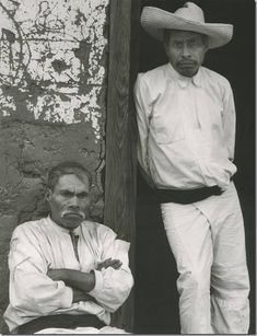 Henri Cartier-Bresson // Mexico, 1934. - Juchitan - Buscar con Google