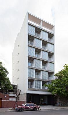 Architects: Jonathan Tyszberowicz, Diego Cherbenco Location: Palermo, Buenos Aires, Argentina Project Managers: Jonathan Tyszberowicz, Diego Cherbenco Area: 1300.0 sqm Year: 2013 Photographs: Albano Garcia