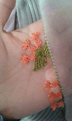 Bild Tattoos, Needle Lace, Olay, Karen Millen, Drawing, Tatting, Diy And Crafts, Brooch, Embroidery