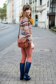German fashion blogger Andrea wearing our Susan 7 Crust Navy  get them here : http://www.melvin-hamilton.com/susan-7-crust-navy.html