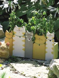 Purrrrfect Cat-Themed DIY Projects You Must Try Right Meo . - Jewelry - Purrrrfect Cat-Themed DIY Projects You Must Try Right Meo … You are in the right place about garde - Outdoor Projects, Garden Projects, Wood Projects, Woodworking Projects, Craft Projects, Yard Art, Cat Crafts, Diy And Crafts, Wooden Crafts